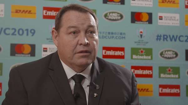 Steve Hansen y el grupo de los All Blacks