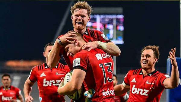 Crusaders 54-17 Blues