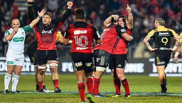 Crusaders 30-12 Hurricanes