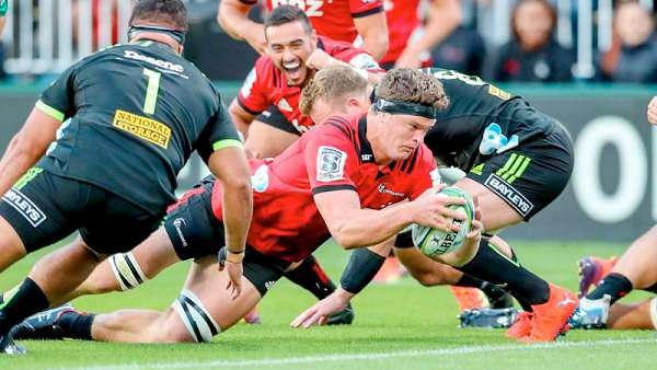 Crusaders 38-22 Hurricanes