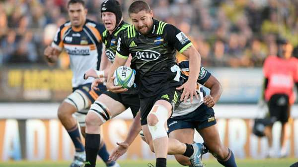 Hurricanes 43-13 Brumbies